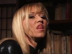 Bambola e Veronica Montoya - Hot Fever