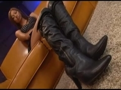 Jun sex in boots