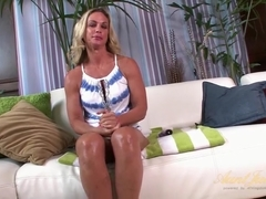 Sydney in Masturbation Movie - AuntJudys