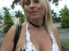 Fucks sexy MILF Dallas Diamondz