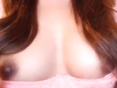 Lost_kitten shows her nipples