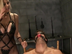 Dominator Julia Ann catches new victim for bdsm game