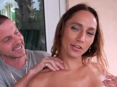 Dude seduces beautiful milf to have nice fuck