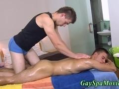 Teen masseur rubs amateur twink