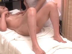 Massagist rides a japanese cunt in super sexy porn video