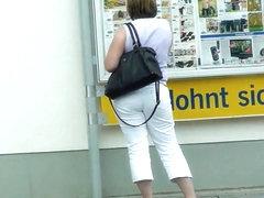 Candid Bubble Butt Milf German
