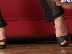 Under-Feet Video: Nelly
