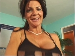Super Sexy mother I'd like to fuck Deauxma