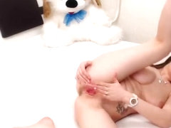 SexyElenPUSSY slaps and rubs her pussy