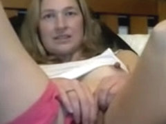 Wifey teases her pussy and tits