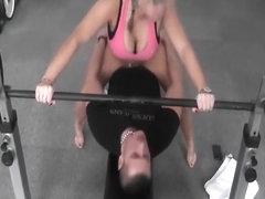 Zwar Mitten im offentlichen fitnessstudio gefickt!!!