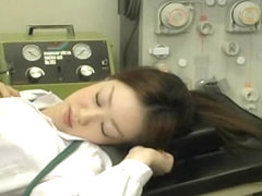 Japanese teenage minx reached a wet orgasm in a clinic