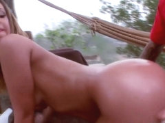 Bouncy assed babe sucking