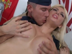 Handsome office gives that slutty chick what she wants