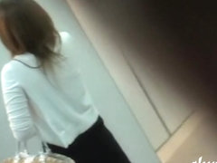 Elevator sharking meeting with vocal little Japanese sweetie losing her top