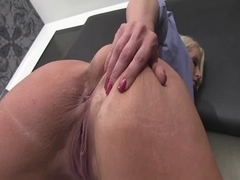 Worship Dominant-Bitch Alura