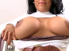 The perfect big titty milf