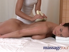 Big boobs beauty gets very wet with orgasmic ecstasy