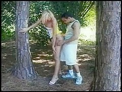 Blonde tranny gets nailed in the woods