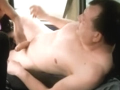 Hooker screwed in a car