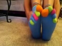 Amateur immature Toe Socks and Bare Feet