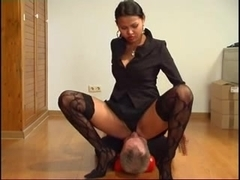 Asian Queen sit on old slaves face