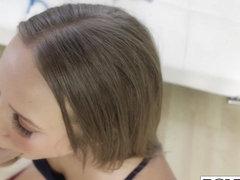 Teen Liza Rowe gives nice head