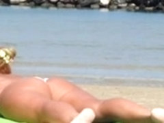 Pawg woman on the beach