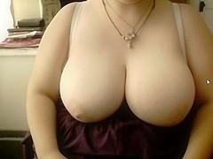 19 Year old Amateur BBW Shows Big Tits