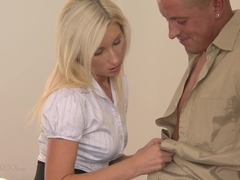 Hd porn video with milf who receives a wet cunnilingus