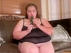 BBW mother I'd like to fuck fucks herself with a cuccumber