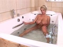 Ines Cudna in the bathtub
