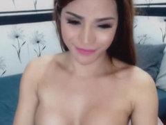 Beautiful Ladyboy Sucks Her Own Dick Hard