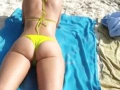 Nice ass chick in yellow bikini