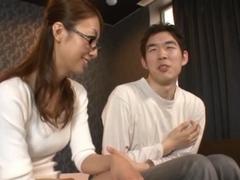 Rei Aoki Sexy mature babe fucks