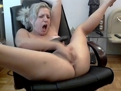 Aged toying herself on cam