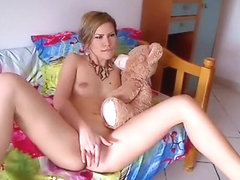 innocent1xxx intimate movie on 01/31/15 13:53 from chaturbate