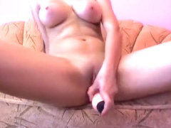 Brunette Buncy fucked myself on the couch