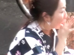Boob sharking of a lovely Japanese lady on the street