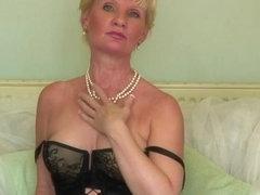 Spruce aged lady feeling nasty