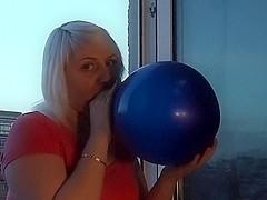 Carina from Loon Lover b2p big blue balloon