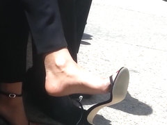 Extreme shoe dangle