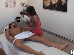 Sexy petite Nipsey massages the guy till cumming!