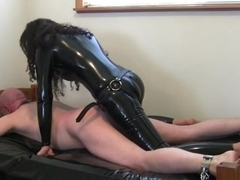 kinky brunette in latex fucksdude