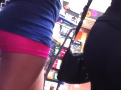18 yr Girl shopping with her mom. both sexy!