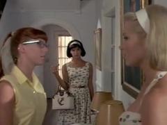Bridget Fonda,Phoebe Cates in Shag (1989)