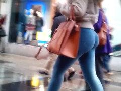 Insane Ass On Sexy Teen Shopper