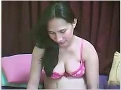 Amateur pregnant bitch on webcam