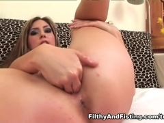 Silvia Diamond in Silvia Diamond - FilthyAndFisting