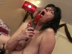 British housewife can't live without to play with her toy